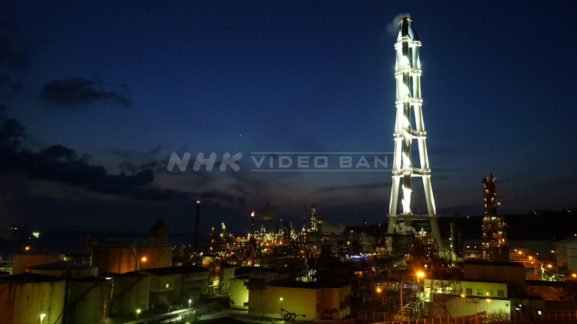 Time lapse: factory night view in Muroran, Hokkaido